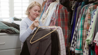 Tidying Up with Marie Kondo: Season 1: Sparking Joy After a Loss