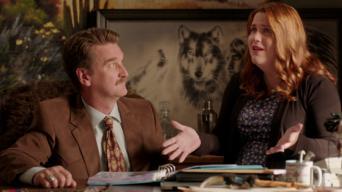 Crazy Ex-Girlfriend: Season 3: ¡Nathaniel necesita mi ayuda!
